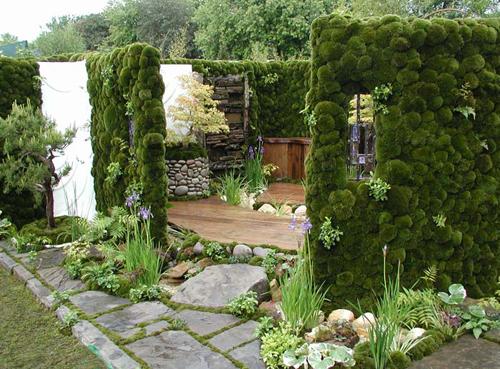 Moss-walls-lg